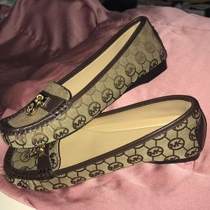 NEW Women's Loafers MK 6.5